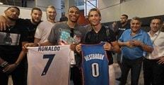 Basket NBA, scambio di maglie Westbrook-Ronaldo