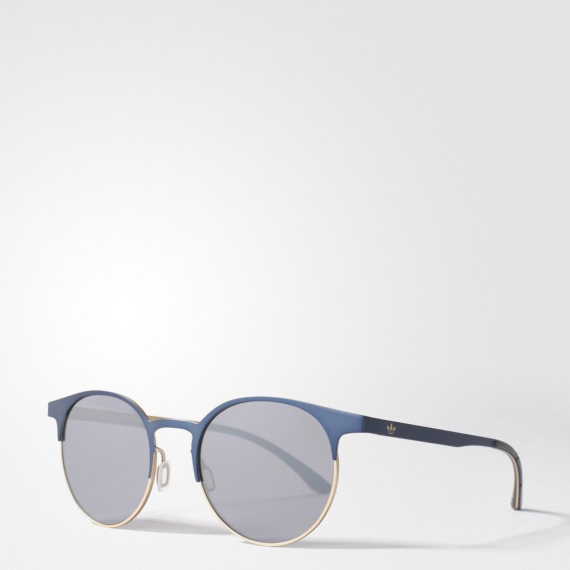 Nuovi stili e combinazioni inedite. adidas Originals eyewear by Italia Independent