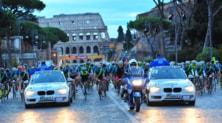 """Roma, """"invasione"""" delle bici: in 5.000 per la Gran Fondo Campagnolo"""