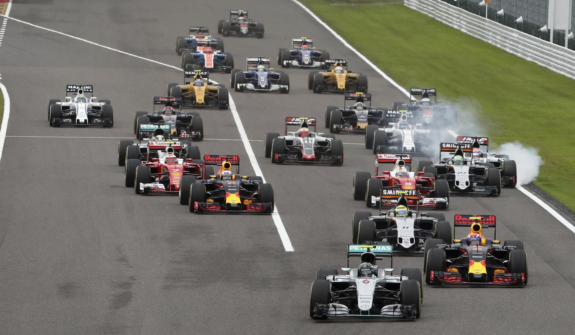 F1, Giappone: Mercedes ritira protesta contro Verstappen