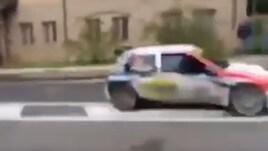 Che tragedia al Rally Legend: auto fuori strada sul pubblico