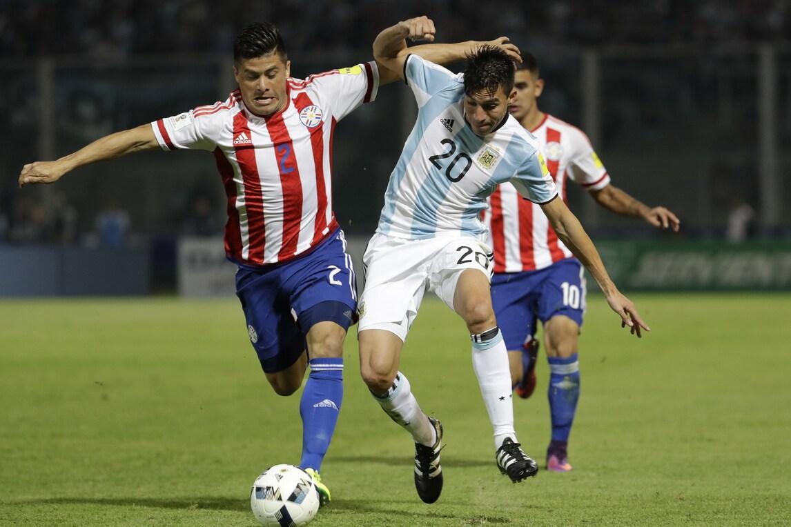 Argentina, figuraccia col Paraguay. Higuain e Aguero sbagliano tutto