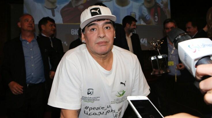 Maradona: «Dirò a Totti di continuare a giocare»