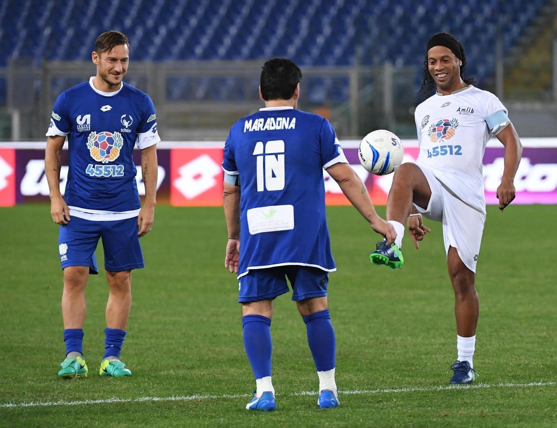 Quel giorno che Totti, Maradona e Ronaldinho giocarono insieme