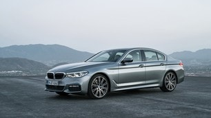 BMW Serie 5 2017: foto
