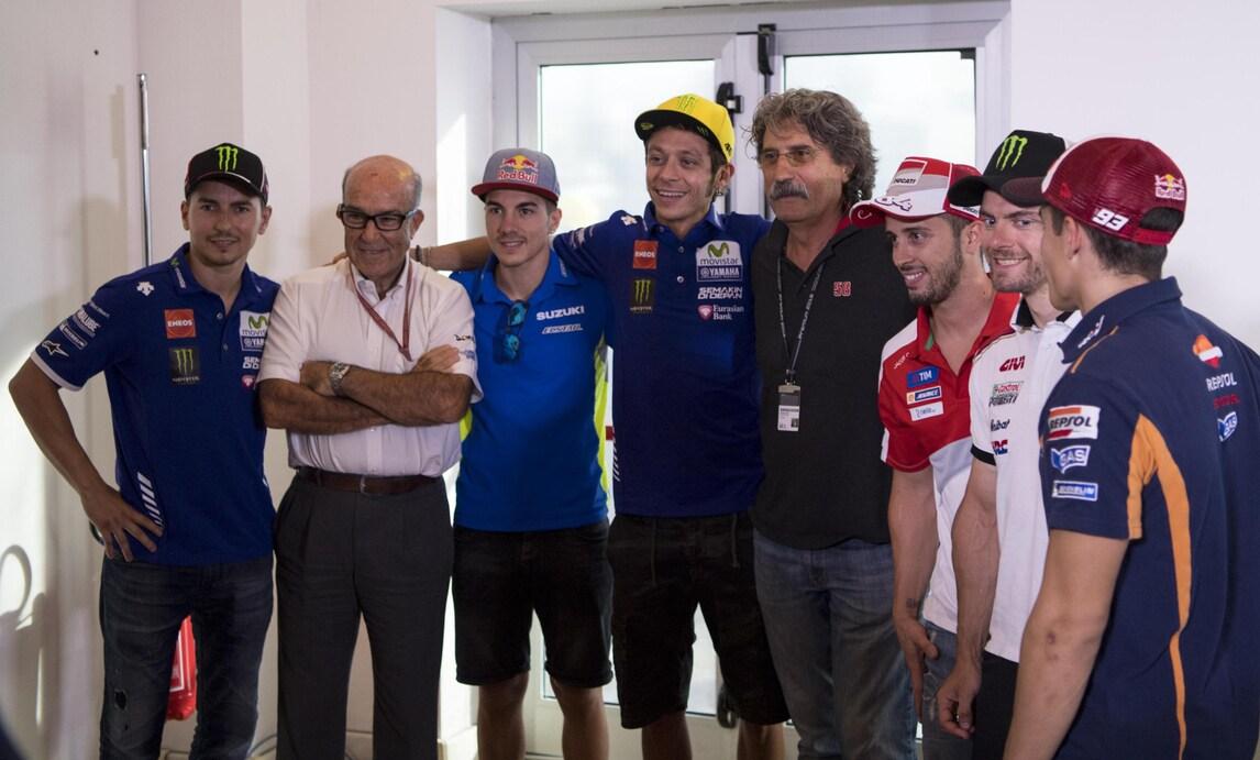 MotoGp, Ezpeleta: «Rossi? Per me resterà in MotoGp anche dopo il ritiro da pilota»
