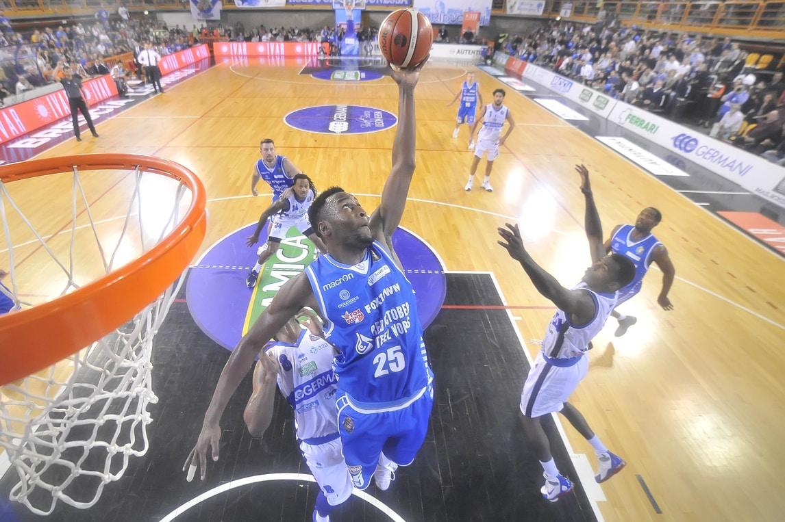 Basket Serie A, Brescia sfida Sassari