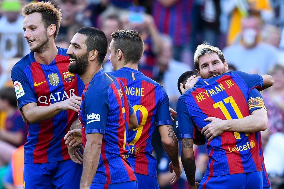 Liga, il Barcellona spazza via il Deportivo La Coruña