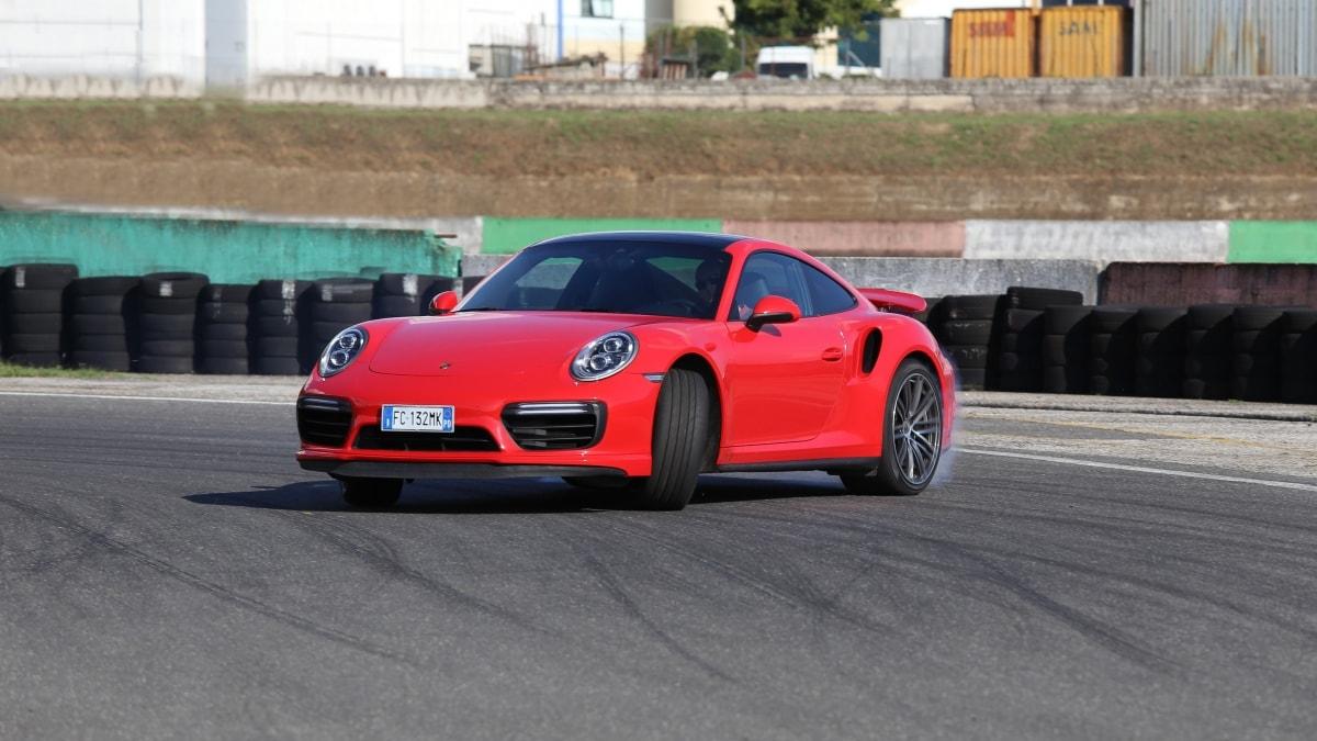 """Porsche 911 Turbo, la prova tripla – la supercar """"quotidiana"""""""