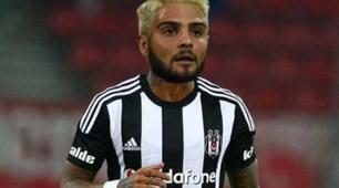 Napoli, Insigne con la maglia del Besiktas: l'ironia del web