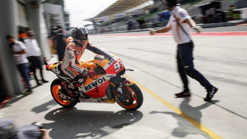 MotoGp Malesia: Marquez domina le prime libere, Rossi quinto