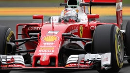 F1, Vettel vola nella libere