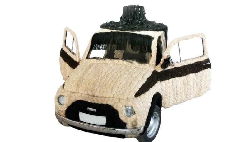 """All'asta la Fiat 500 """"capellona"""" certificata dal Guinness"""