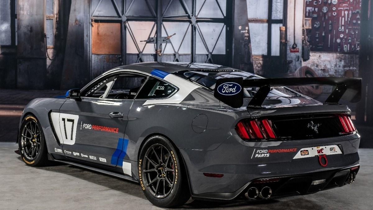 Ford Mustang GT4, dal SEMA alle piste di tutto il mondo