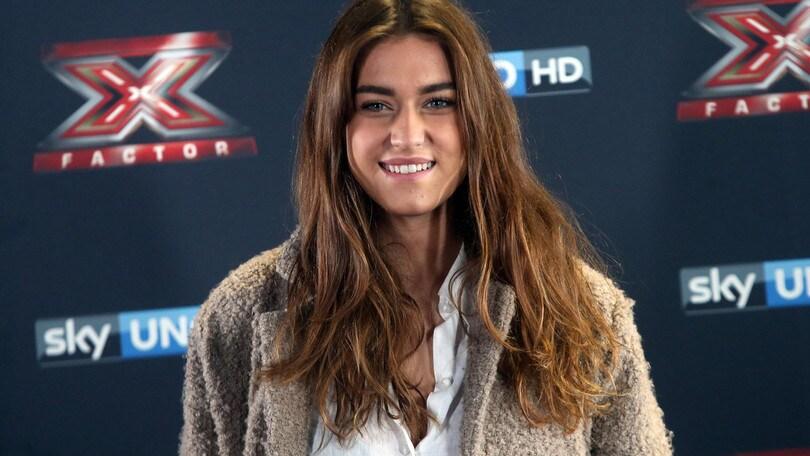 X-Factor, Gaia ed Eva svettano in lavagna