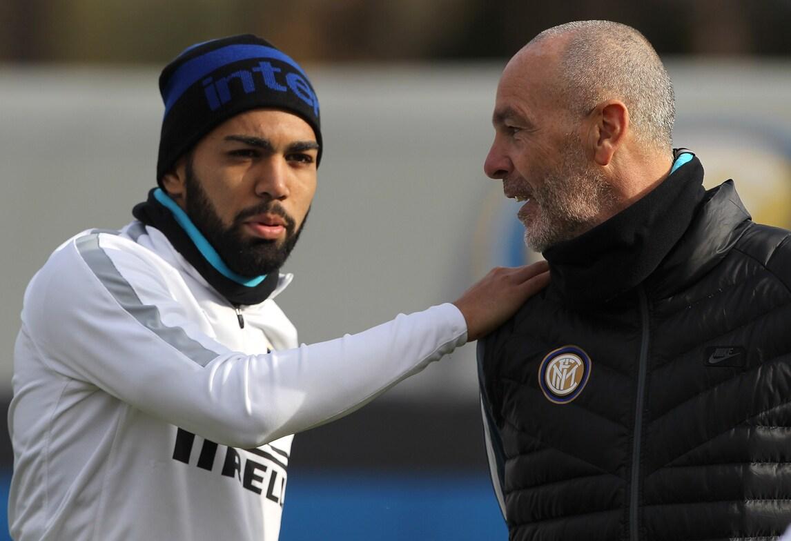Inter, Pioli in campo parla subito con Gabigol