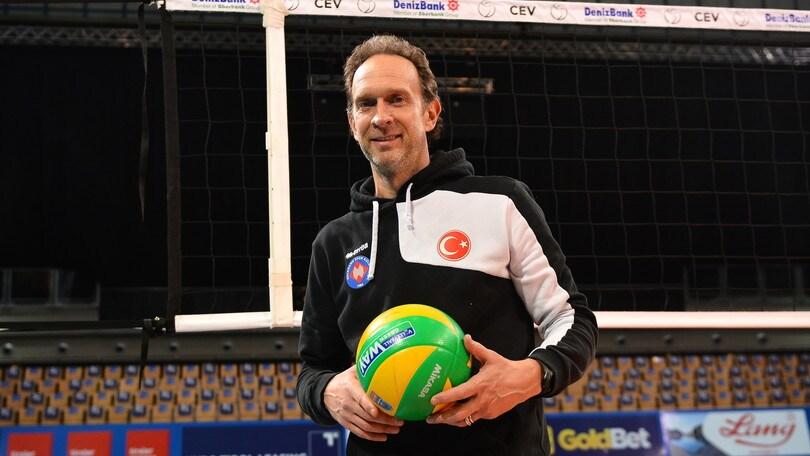Volley: Superlega, Bernardi sulla panchina di Perugia al posto di Kovac