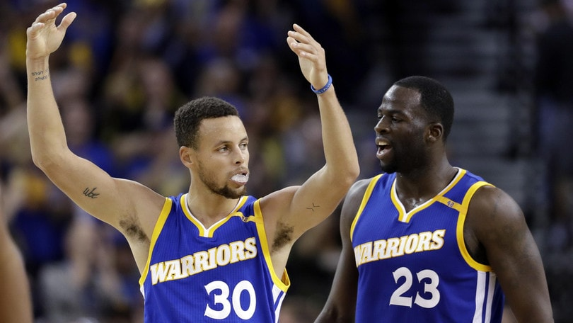 Curry si riprende Golden State, Gallinari ancora ko
