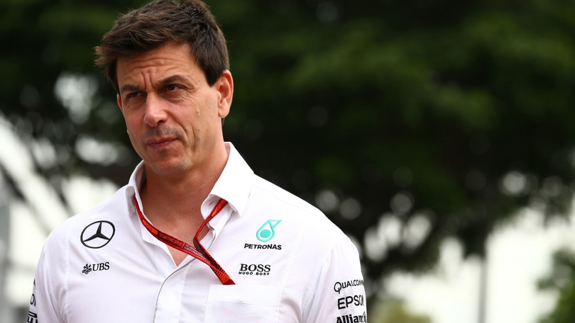 F1, Wolff: «Verstappen ha riscritto le leggi della fisica»
