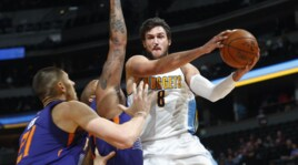 Basket NBA, Denver batte Phoenix: Gallinari 18 punti