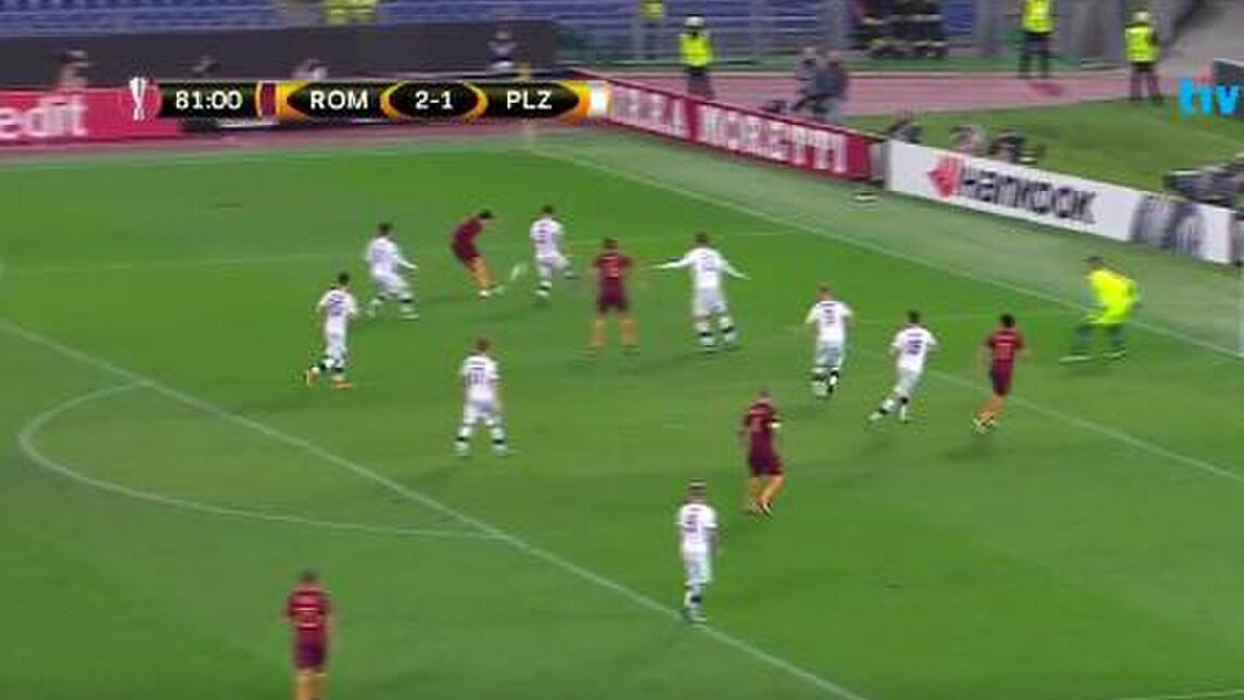 <p>L&#39;argentino ha segnato il 3-1 con il Viktoria Plzen con un gran gol, anche se non cercato</p>