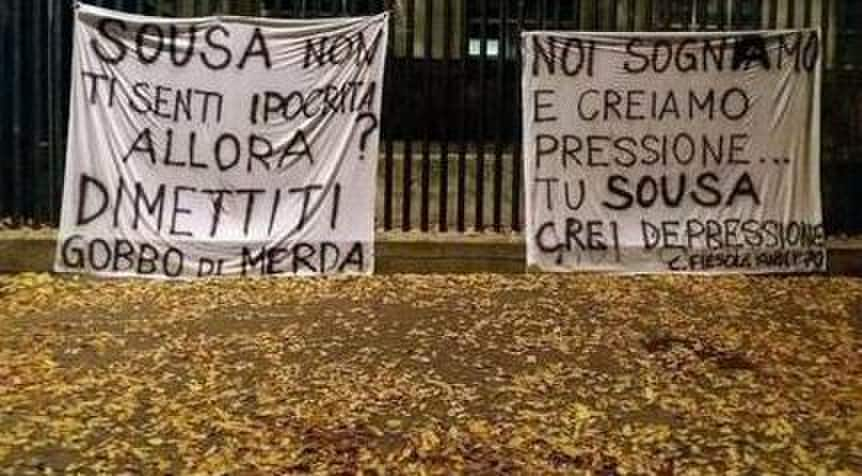 Fiorentina, striscioni contro Sousa: «Dimettiti»