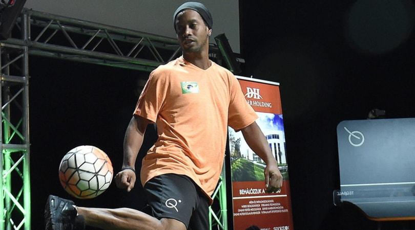 Chapecoense, ti aiuta Twitter: «Ronaldinho in campo gratis»