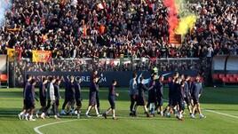 Roma, che festa dopo il derby! 4000 tifosi al Tre Fontane