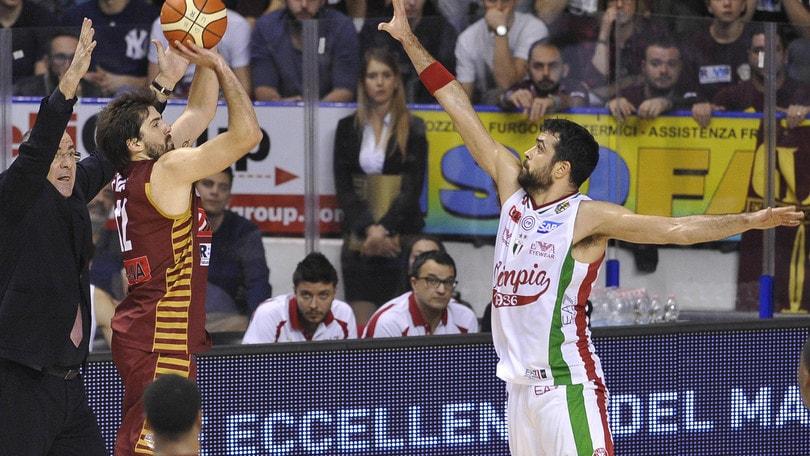 McGee affonda Milano, prima sconfitta per l'EA7