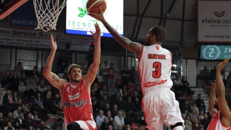 Maynor doma Reggio Emilia, Varese torna a vincere