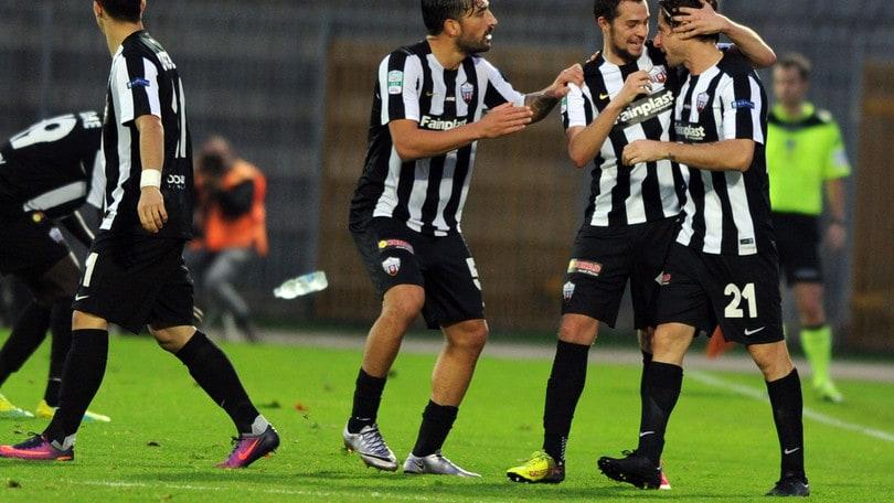 Serie B Ascoli-Entella, probabili formazioni e tempo reale alle 20.30
