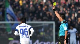 Sassuolo-Inter, Gabigol entra al 90' e si prende il giallo: quanti sfottò sul web!