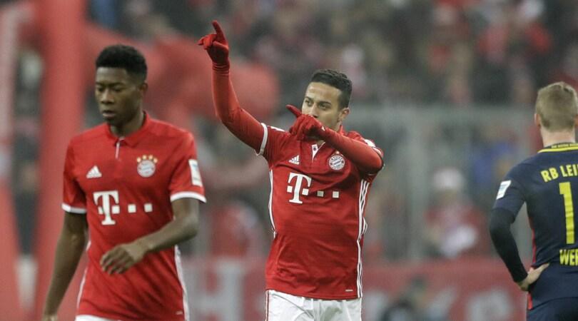 Bayern Monaco-Lipsia 3-0, Ancelotti torna in vetta