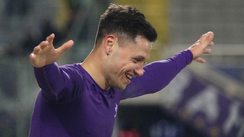 Fiorentina, Zarate resiste alla corte del Boca: vuole restare in viola