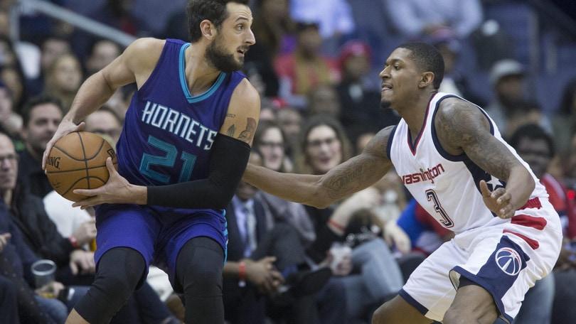 Nba: Hornets ok ma Belinelli si ferma, Denver perde