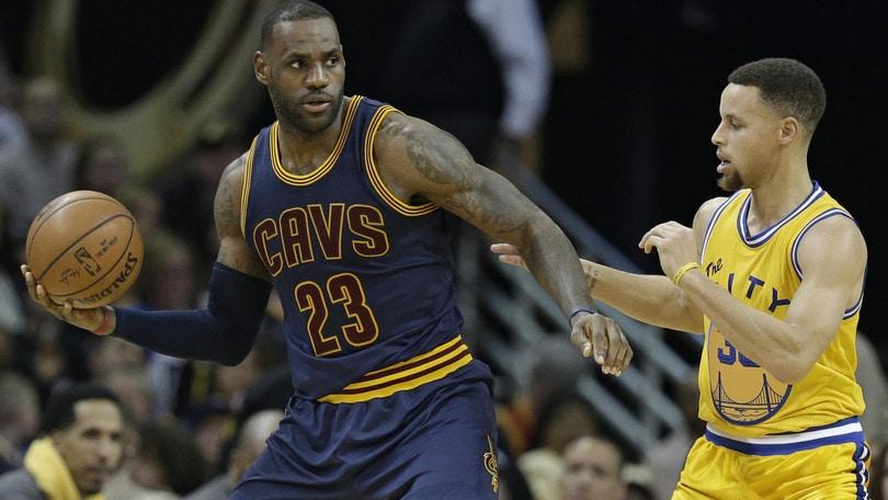 NBA, LeBron James  tentato dai Warriors?