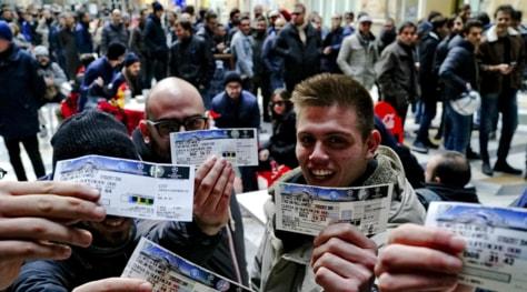 Clamoroso ancora 5mila biglietti per napoli real madrid for Poltrona ufficio juventus