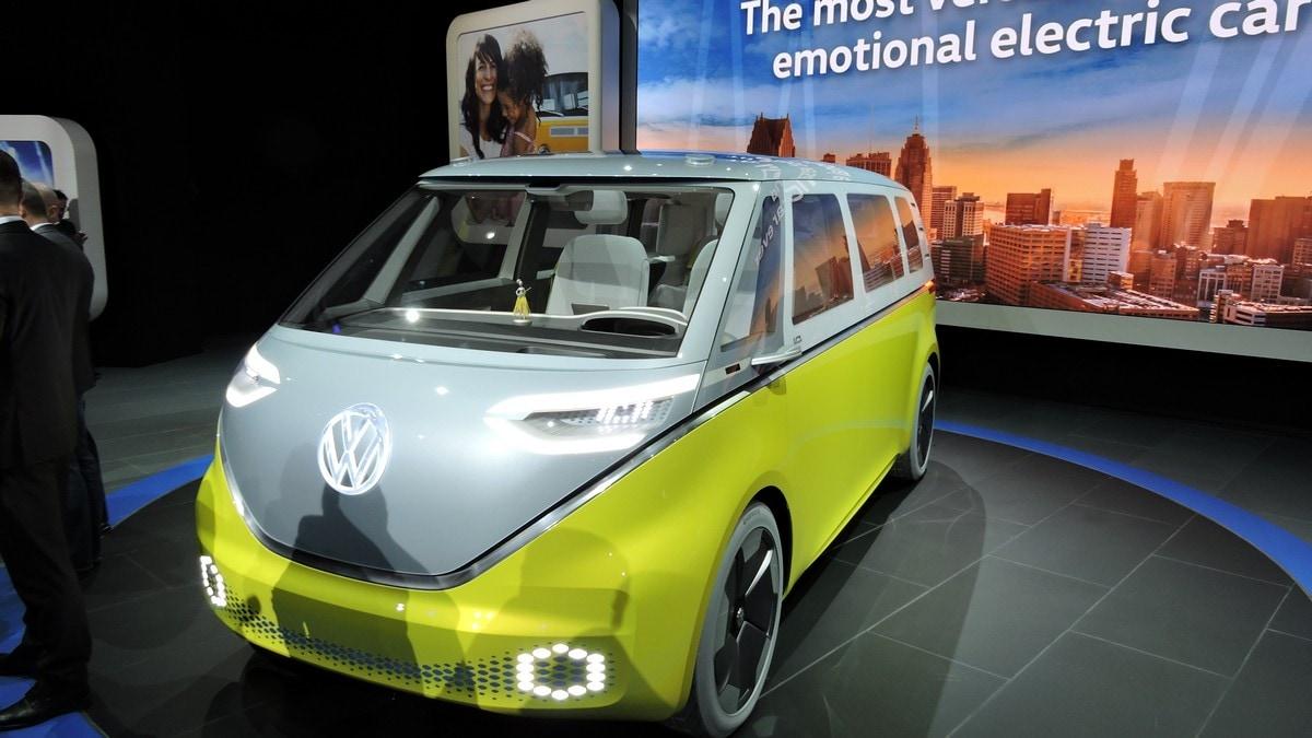 VW gioie e dolori: rinasce il Bulli (elettrico), arrestato dirigente per Dieselgate