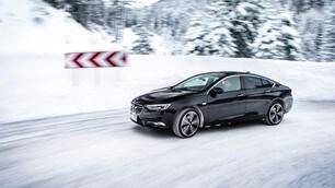 Opel Insignia Grand Sport 4x4: foto