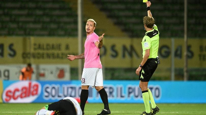 Arezzo, il difensore Sirri a titolo definitivo al Catanzaro