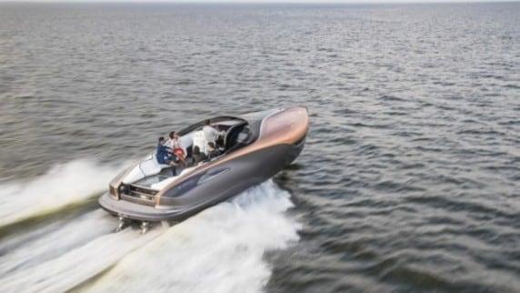 Dalle curve alle onde: Lexus Sport Yacht