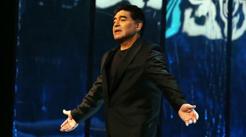 Maradona: «Dopo 30 anni chiedo scusa a mio figlio Diego»