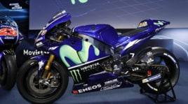 Rossi e Viñales presentano la nuova Yamaha M1