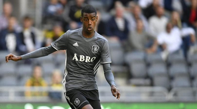 """L' """"Ibra nero"""" cambia idea: Isak rifiuta il Real Madrid e dice sì al Dortmund"""