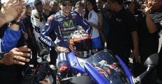 MotoGp, Viñales: «Sarebbe stupido se Rossi mi facesse la guerra»
