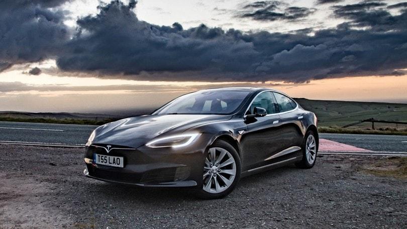 Tesla, nessuna colpa nell'incidente mortale con l'Autopilot