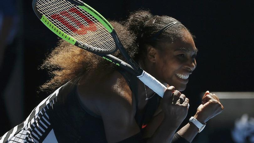 Tennis, Australian Open: derby Williams, Serena travolge Venus