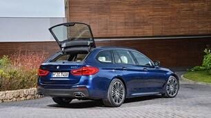 BMW Serie 5 Touring 2017: foto