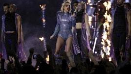 Super Bowl, lo spettacolare show di Lady Gaga