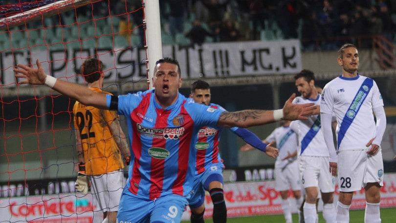 Lega Pro, Catania-Matera 2-0: il Foggia resta primo